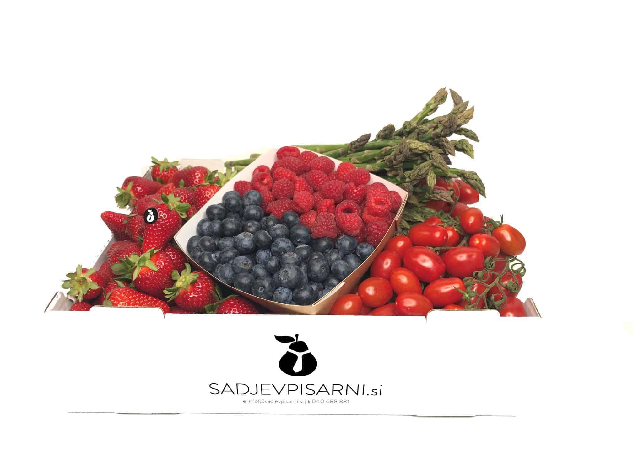 Zabojček mešanega sadja in zelenjave